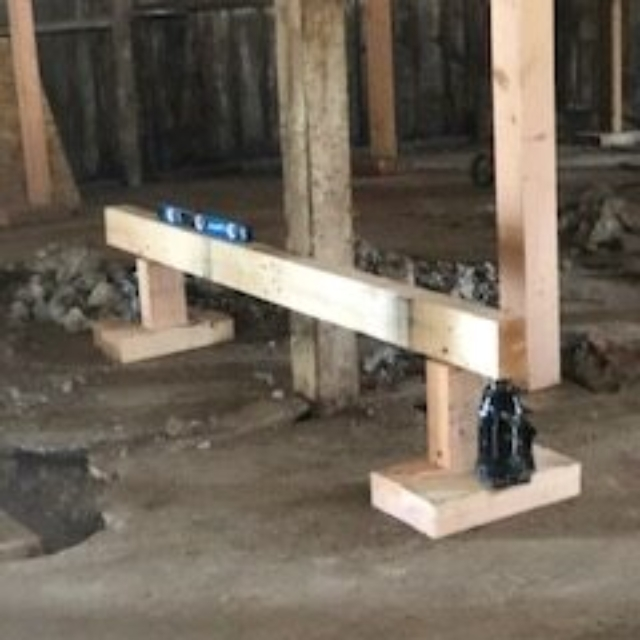 construction, leveling, rafters, posts, lifts