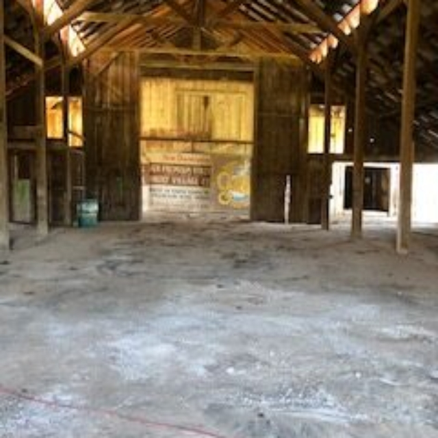 barn,dirt,floor